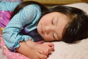 子供 睡眠 必要
