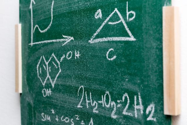 中学生が学ぶべき自由研究の化学の知識とは?