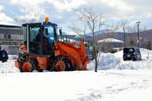 豪雪地帯の雪かき、業者を使うとお値段はいくら?