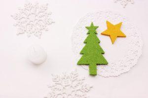 """手作りで""""世界にひとつだけのクリスマスツリー""""を。個性豊かなオーナメント♪"""